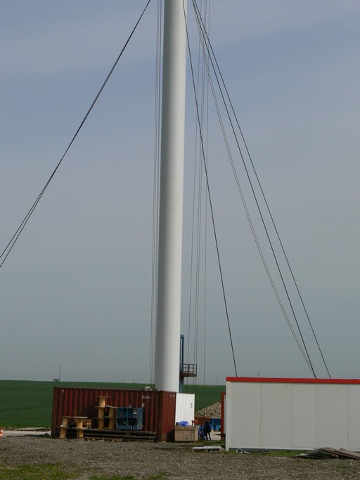 Eolienne Vergnet HP 1 MW en construction Image6058.jpg