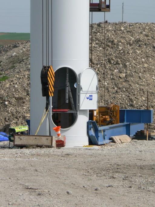 Eolienne Vergnet HP 1 MW en construction Image6059.jpg