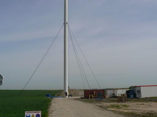 Eolienne Vergnet HP 1 MW en construction Image6061.jpg
