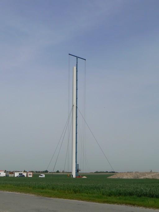 Eolienne Vergnet HP 1 MW en construction Image6063.jpg